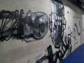 Граффити на стене в зале